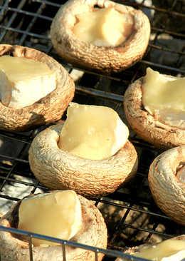 Шампиньоны с сыром на решетке