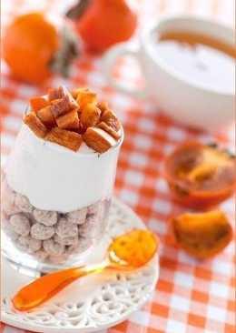 Отруби с йогуртом и хурмой