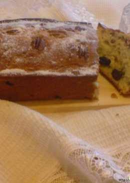 Кекс с изюмом и орехом пекан