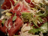 Традиционный салат с авокадо и курицей - 2 фото