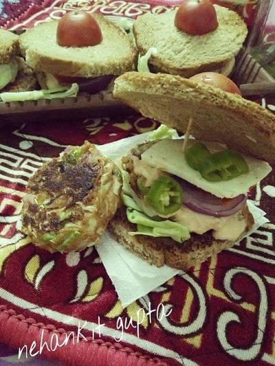 आटे की ब्रेड के बर्गर सैंडविच