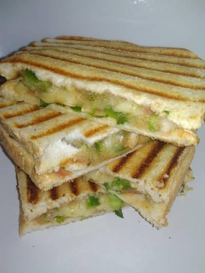 चीझी वेज सैंडविच