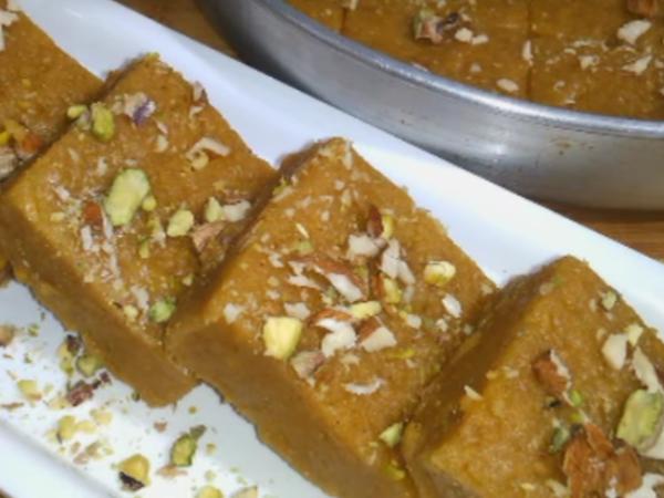 बेसन की बर्फी (Besan ki Burfi Recipe In Hindi)