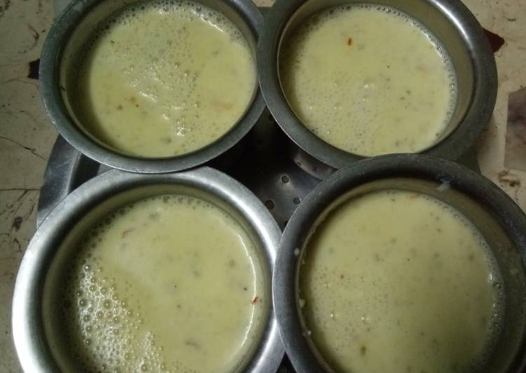 Arya Paradkar द्वारा केसर मसाला ठंडा दूध