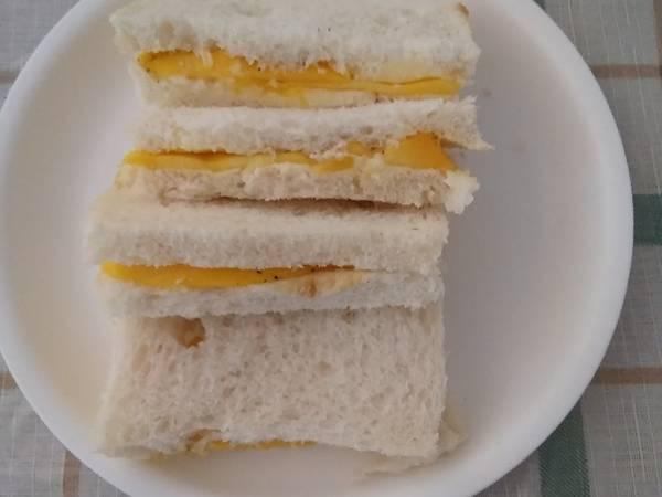 मैंगो सैंडविच