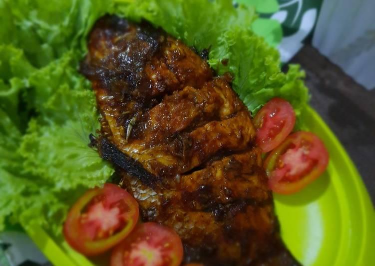 Ikan Bakar (Gurame Bakar Kecap)