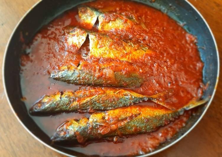 Ikan kembung goreng sambal