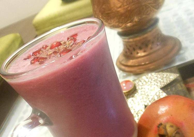 How to Make Quick Pomegranate Juice