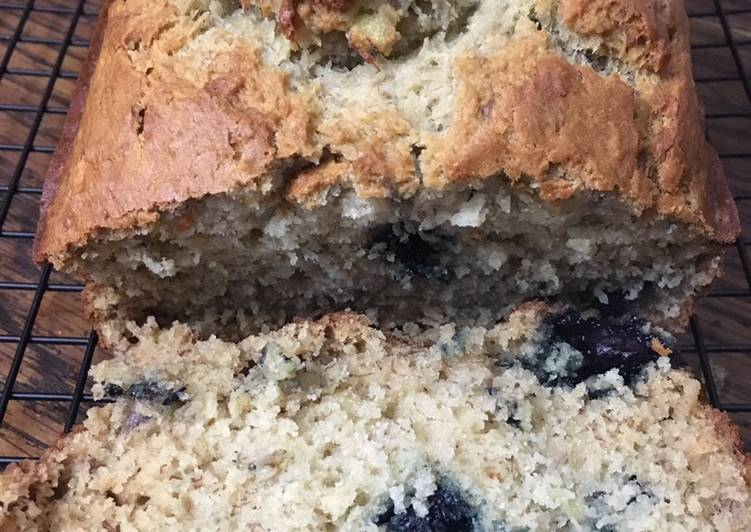 Blueberry Banana Bread 🍌🍞