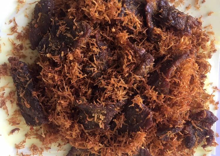 Serundeng kelapa daging sapi - cookandrecipe.com