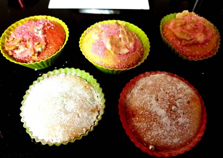 Lemon Cup cakes by my granddaughter and me. 😀