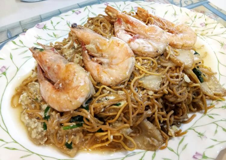 Recipe: Perfect Cantonese Style Yee Mee with Prawns