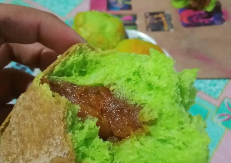 Roti sobek pandan srikaya