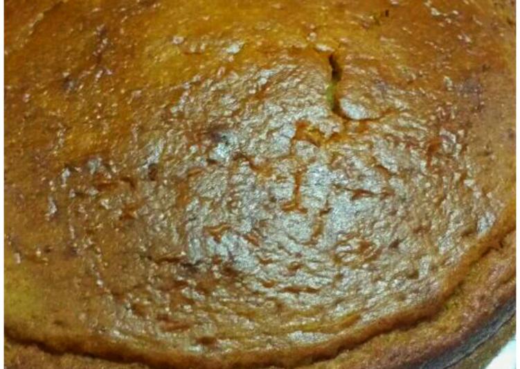 Banana walnut cake