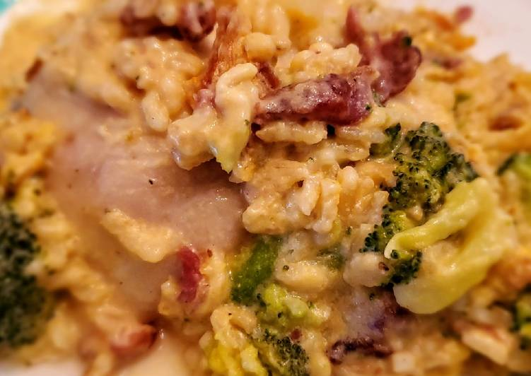 Cheesy Chicken, Bacon and Broccoli Casserole