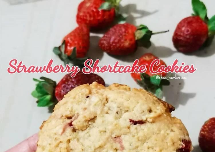 Strawberry Shortcake Cookies - cookandrecipe.com