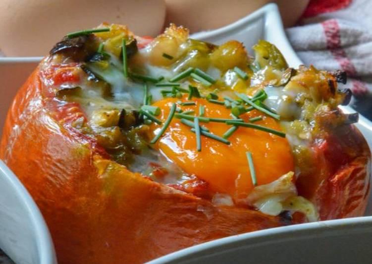 Oeuf cocotte en nid de tomate et ratatouille