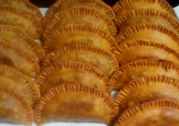 The ultimate empanadas - Laurie G Edwards