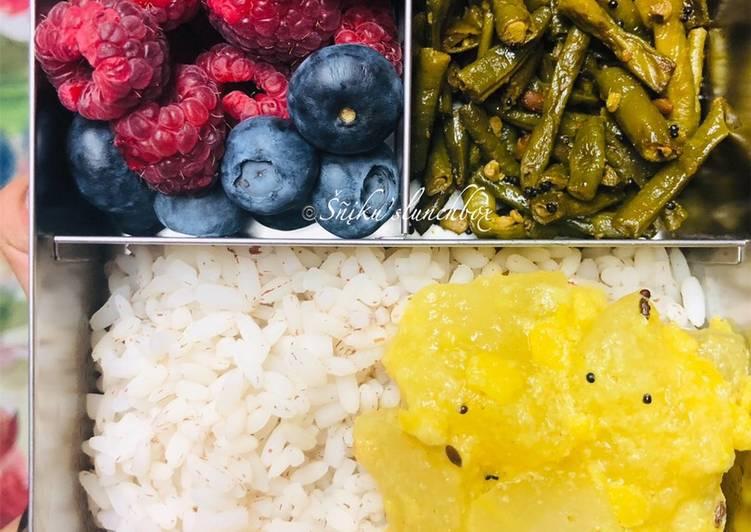 Long Beans Stir Fry/ Payaru Poriyal/ Payar Mezhukkupuratti
