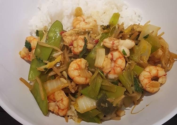 Gambas al jengibre y verduras al wok