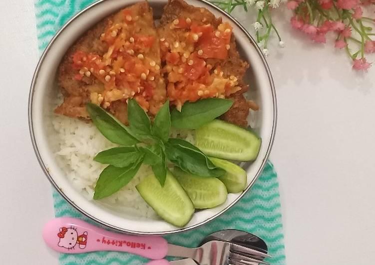 Rice Bowl Telur Dadar Crispy Geprek