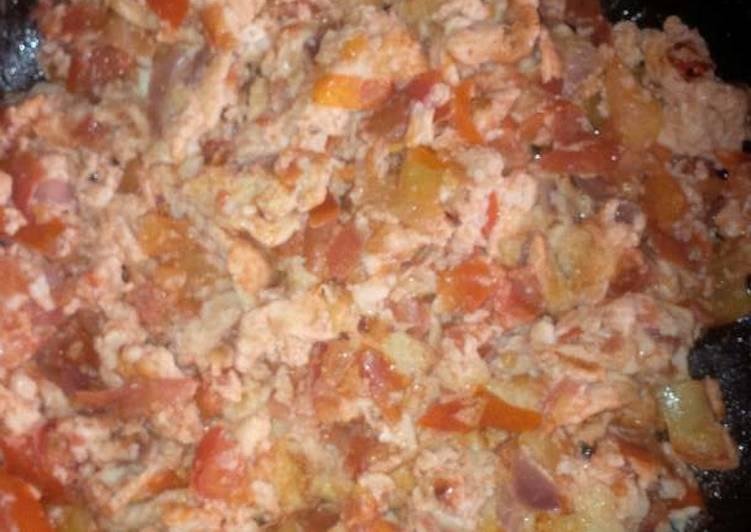 Recipe: Yummy Tomatoe omelette