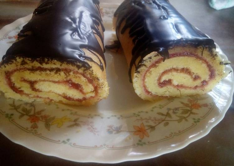 What is Dinner Ideas Royal Swiss roll
