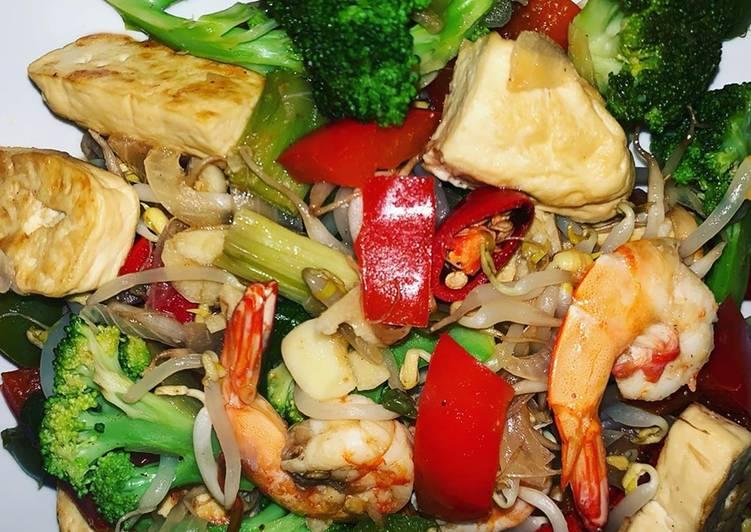 Mix vegetables with shrimp