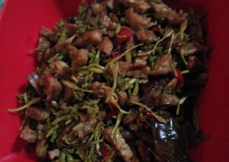 Oseng tempe bunga kates udang kering