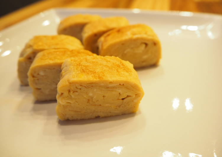 Recipe: Perfect Dashimaki Tamago – Japanese rolled omelet