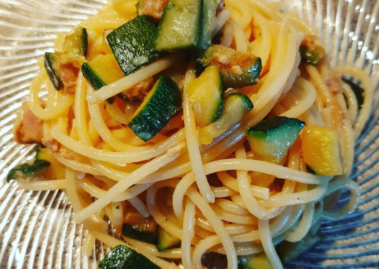 Spaghetti zucchine e tonno