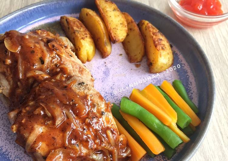 Tuna Steak with Potato Wedges!