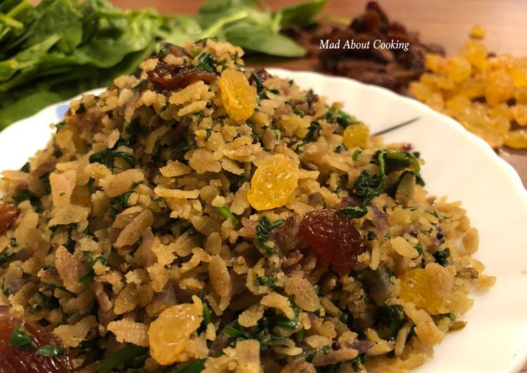 How to Prepare Award-winning Spinach Red Poha – Iron Rich Breakfast Recipe