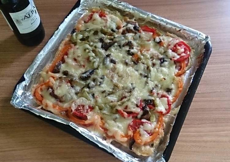 Pizza-costra de carne molida de pollo con vegetales (Horno eléctrico)