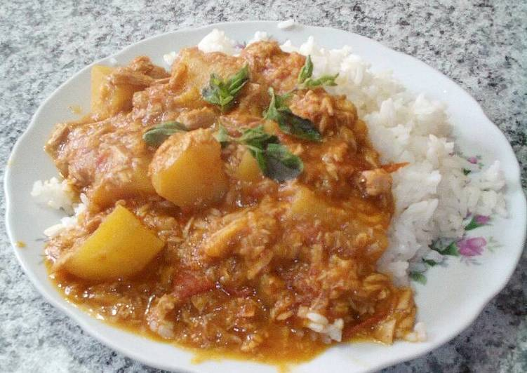 Preparacion de arroz con atun de lata