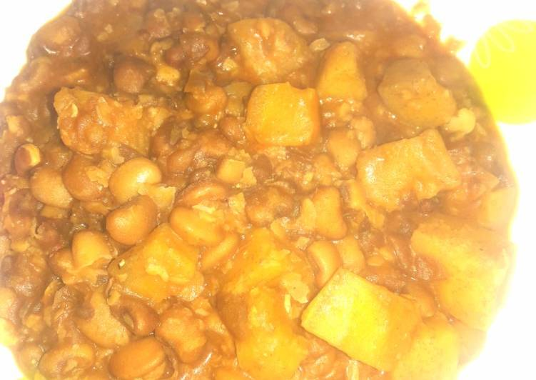 Plantain and beans porridge