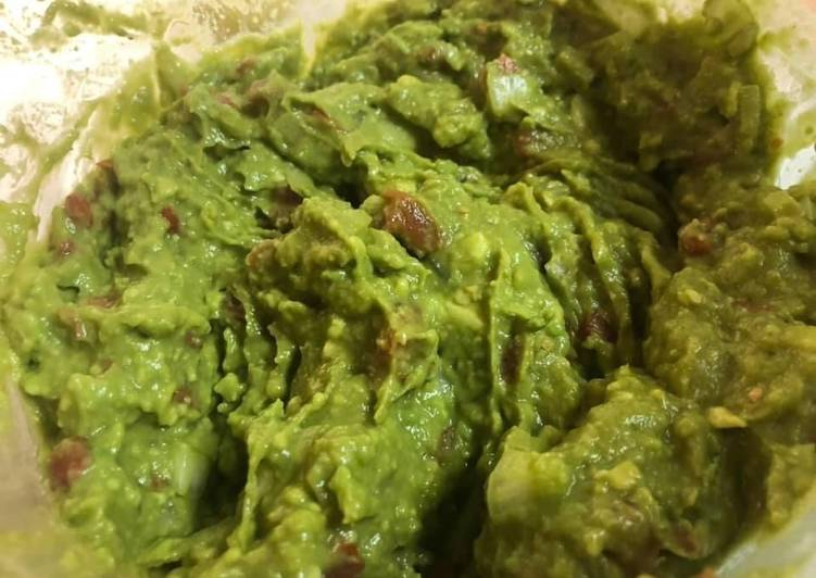 Mike's Easy Guacamole