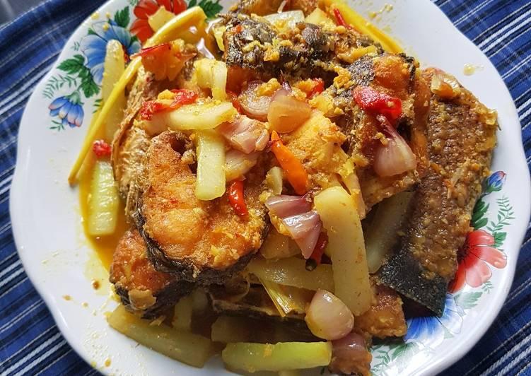 52. Ikan Gabus/Haruan masak acar bumbu kuning