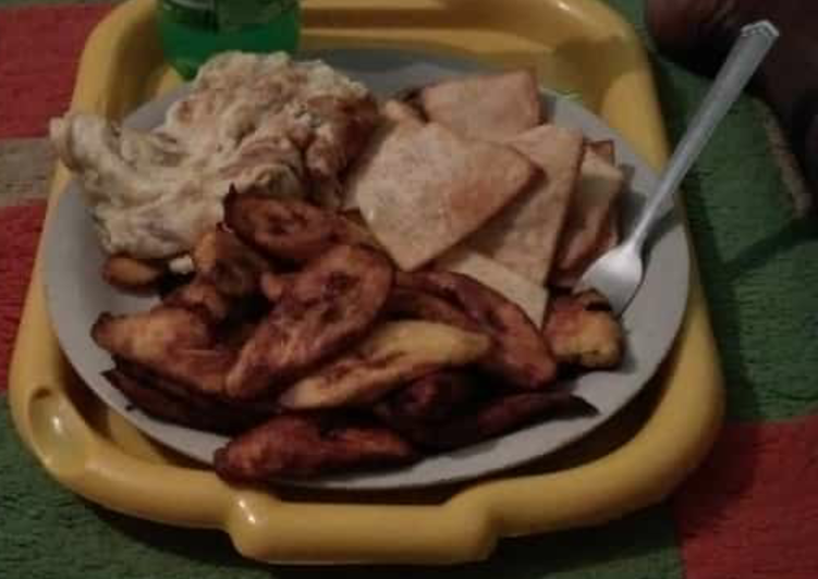 Fried yam,plantain and egg