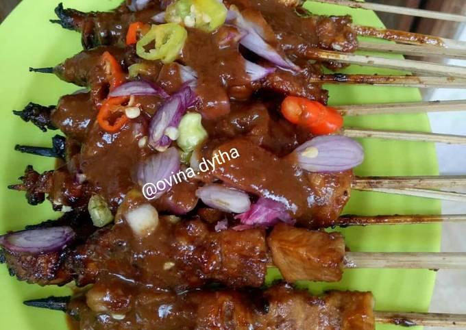 Resep Sate Ayam Madura Bumbu kacang Mom Vee, Lezat…