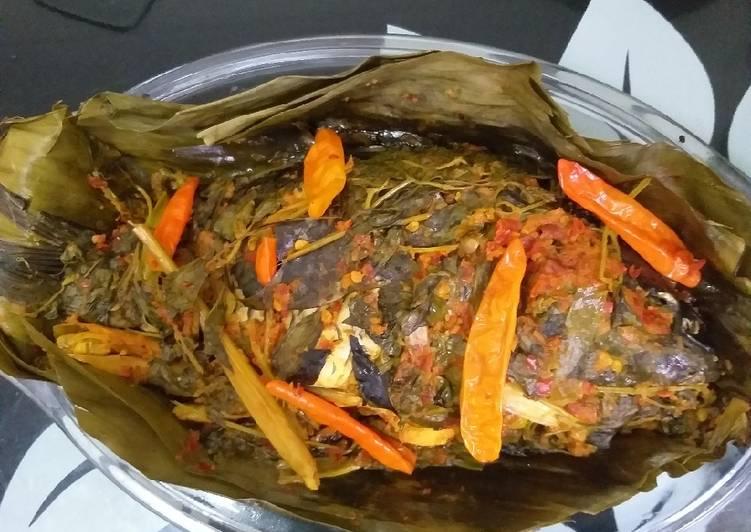 Resep Pepes ikan mas bumbu tumis yang nikmat dan Mudah Dibuat