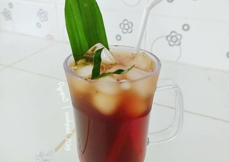 Pandan Iced Tea