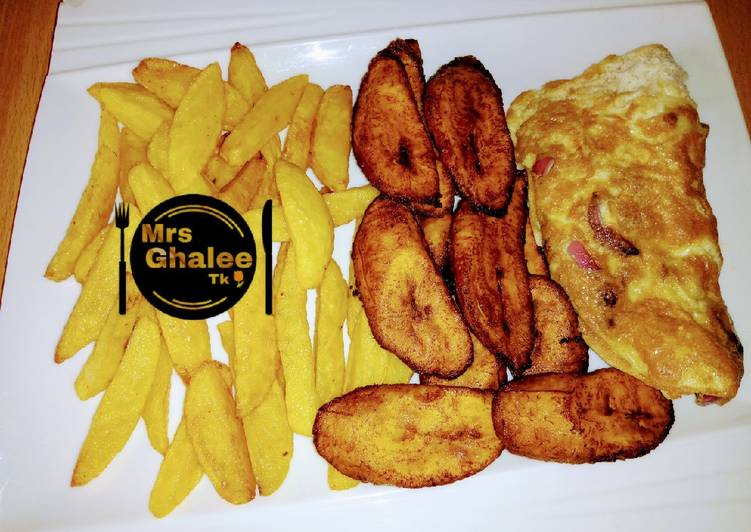 Chips and plantain with egg