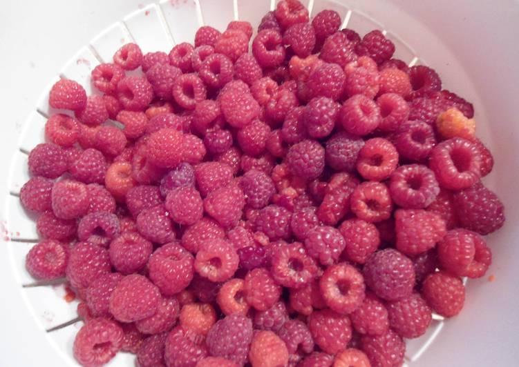 Simple Way to Prepare Homemade Raspberry Sauce/Jam