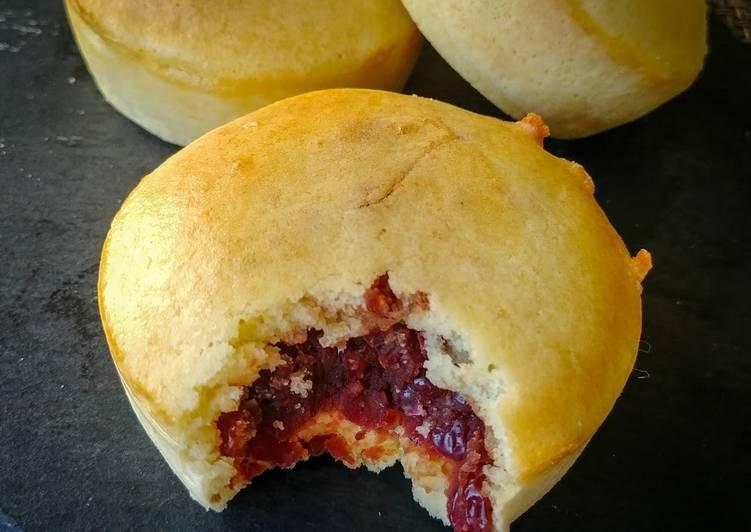 Red Bean Wheel Pie (Imagawayaki)