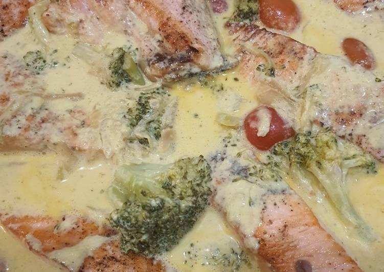 Saumon brocoli tomate cerise sauce parmesan
