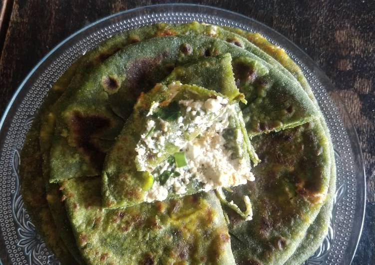 How to Prepare Tasty Palak paneer paratha