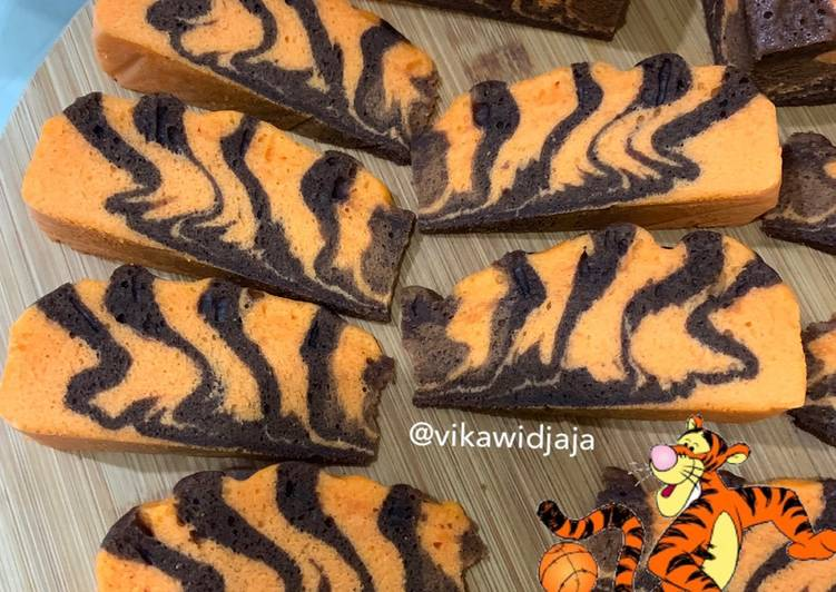 Bolu Macan Kukus (Tiger Steam Cake)