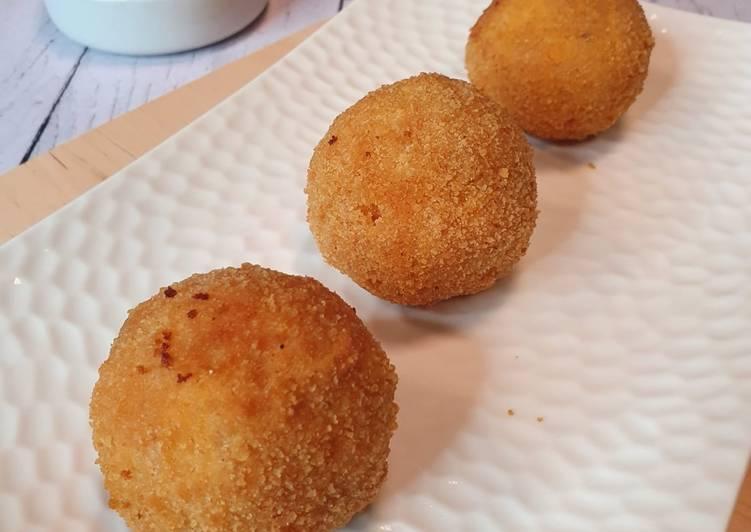 Arancine di riso / boulettes de riz farcies et croustillantes