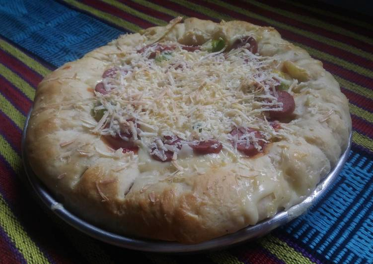 Fluffy pizza aka pizza empuuuk topping sukasuka